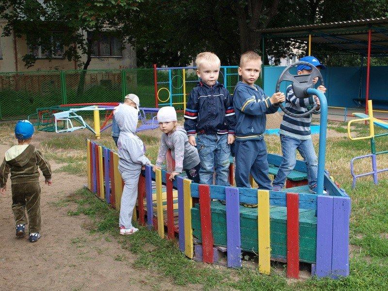 Міська влада закликає полтавців разом подбати про дитячі майданчики
