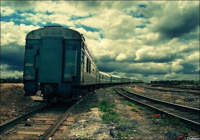 Призупинили попередній продаж квитків на потяги до Криму