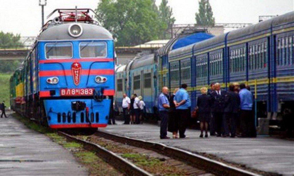 Центр зайнятості обіцяє допомагати переселенцям з Криму та східних областей: корисні телефони