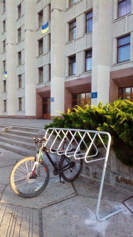У Полтаві побільшало велопарковок