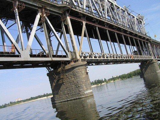 У Кременчуці хлопець зістрибнув з Крюківського мосту