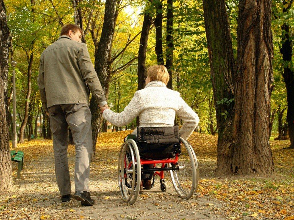 Полтавцям, які доглядають за інвалідами, полегшили процедуру отримання виплат