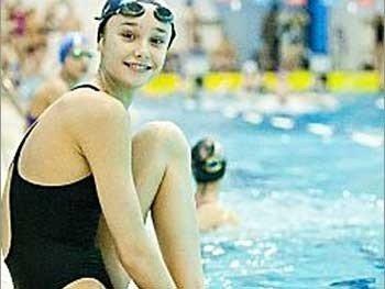 Неповнолітню полтавську спортсменку, надію українського плавання, продали у Туреччину
