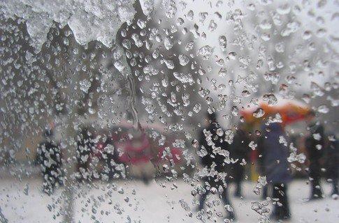 Полтавські еменесники попереджають про можливі зливи та сильні пориви вітру в області