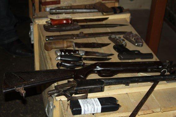 Полтавці добровільно здали міліції більше 150 одиниць зброї