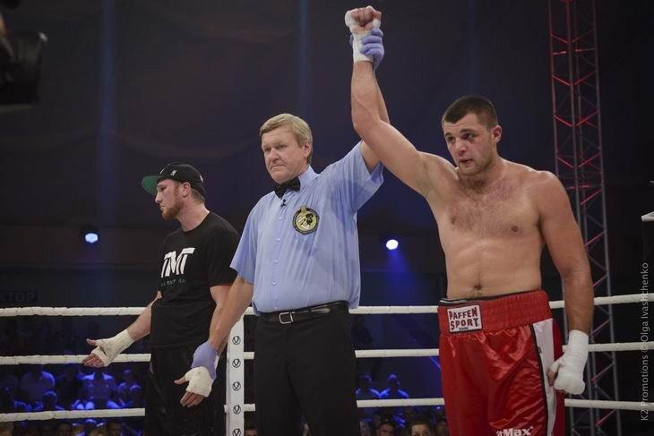 Боксер із Кременчука здобув перемогу на профі-рингу