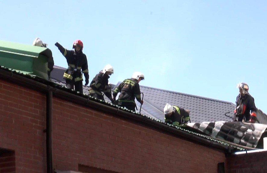 У Полтаві через неправильний ремонт даху горіла будівля