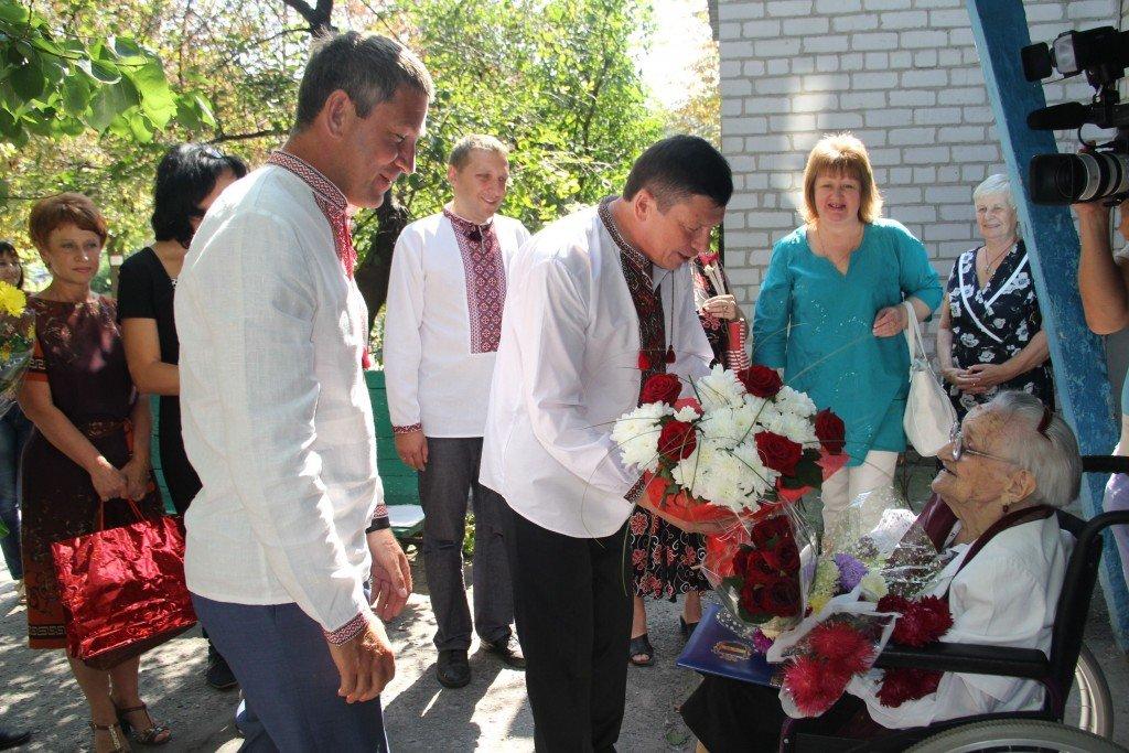 Жінка з Полтавщини в День Незалежності відсвяткувала 105 ювілей