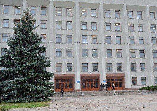 У Полтавській ОДА виник конфлікт між громадськими активістами: застосовували сльозогінний газ