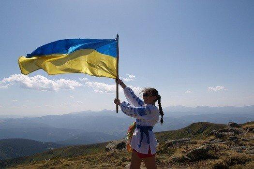 Яценюк запропонував, аби учні, студенти та держслужбовці присягали на вірність Державному прапору