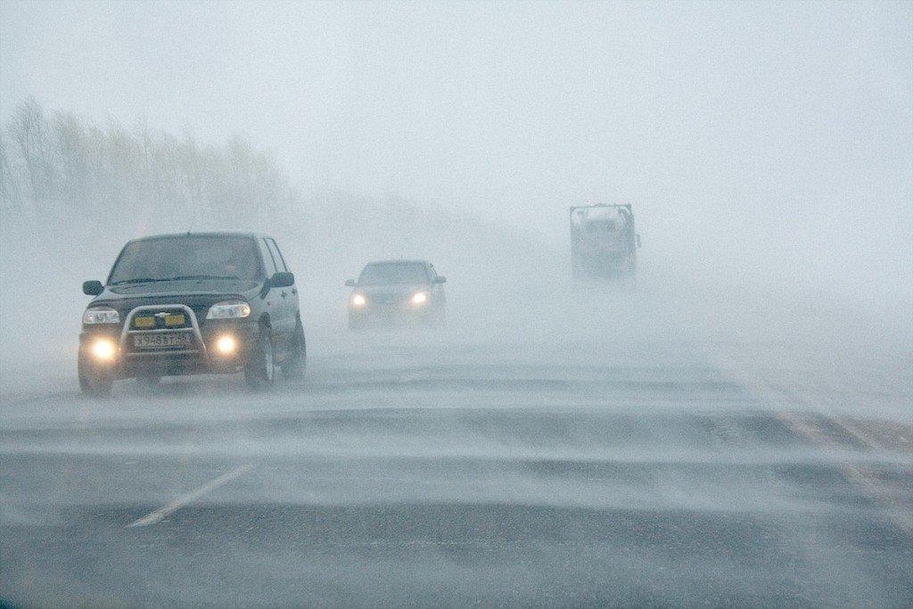 Даівці радять обережно поводитися на дорозі водіям та пішоходам