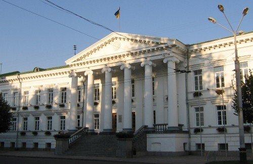 До міської ради увійшли сім партій