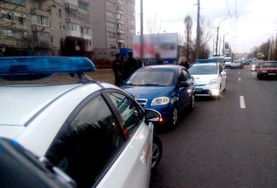 На Полтавщині затримали чоловіків, які обливали зеленкою представників екзит-полів