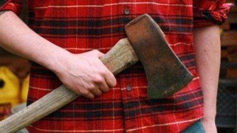 Судитимуть молодика, який забив сокирою свого дядька та вивіз у лісосмугу на Полтавщині