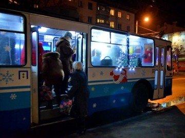 У Новорічну ніч потрапити додому можна на громадському транспорті