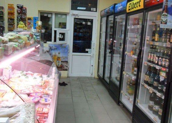 У Кременчуці чоловік поцупив із крамниці чотири тисячі гривень та дві пляшки алкоголю