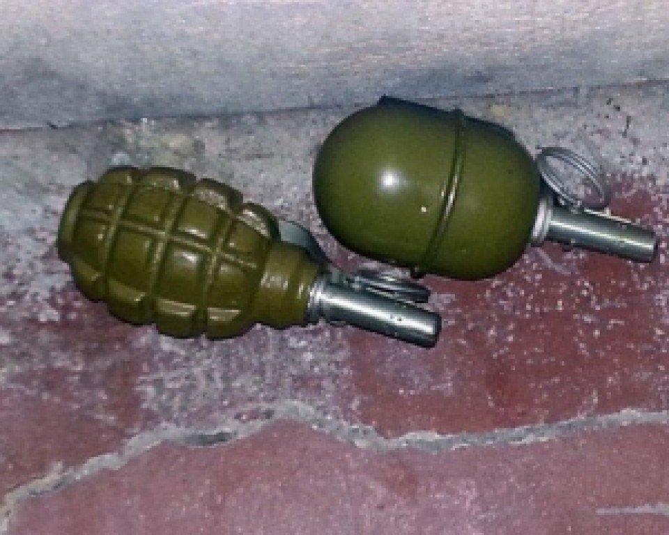 Полтавець віз в громадському транспорті гранати