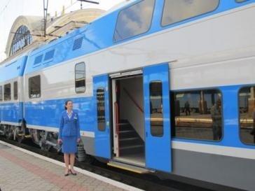 У Полтаві та Кременчуці зупинятиметься двоповерховий електропотяг