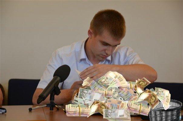 Начальник УЖКГ Сінельнік завдав майже 13 мільйонів гривень збитків бюджету Полтави (відео Громадського ТБ)
