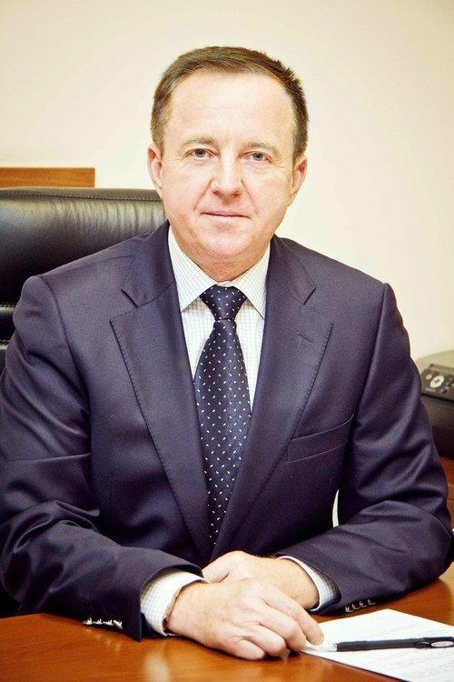 Скільки заробив голова Полтавської облради і його заступники 2015 року: декларації про доходи