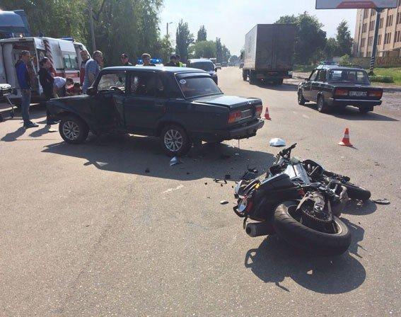 У ДТП у Полтаві травмувавяс мотоцикліст