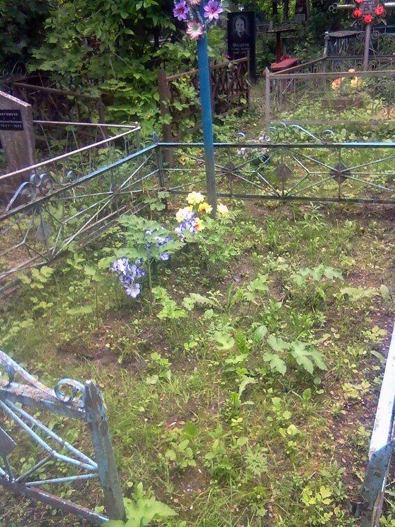 У Лубнах 53-річний чоловік розграбовував могили