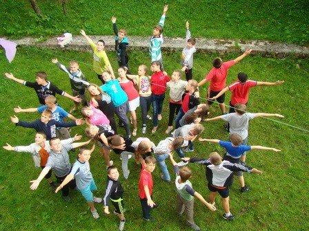 Дітям учасників АТО вручили путівки на безкоштовний відпочинок в таборі