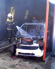 На Полтавщині чоловік, рятуючи своє авто від вогню, отримав опіки