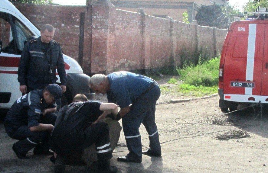 У Полтаві рятувальники дістали з каналізаційного колектора тіла двох чоловіків (ВІДЕО)