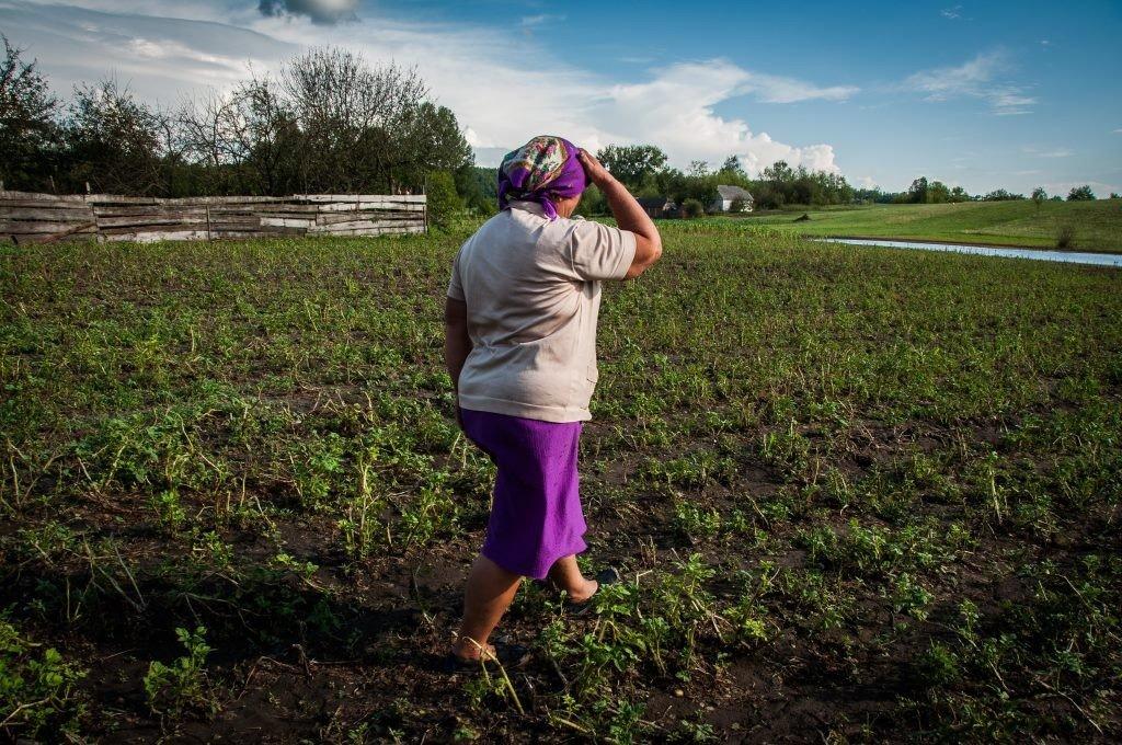 Жителям Чорнухинського району заборонили пити воду з колодязів: про допомогу постраждалим від негоди