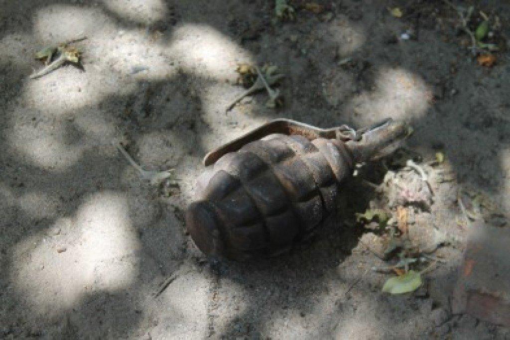 На Полтавщині жінка знайшла у себе на городі гранату