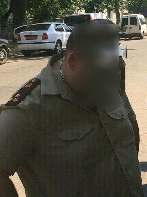 На Полтавщині посадовця-рятувальника піймали на хабарі (ФОТО)