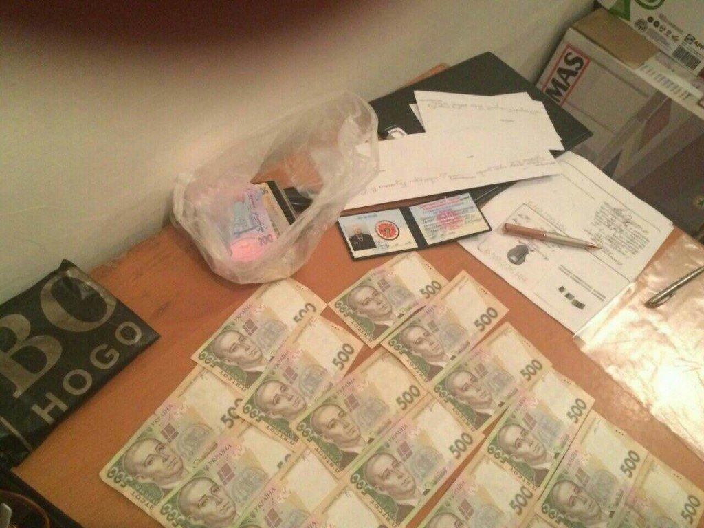 Затриманого на Полтавщині посадовця-хабарника взяли під варту