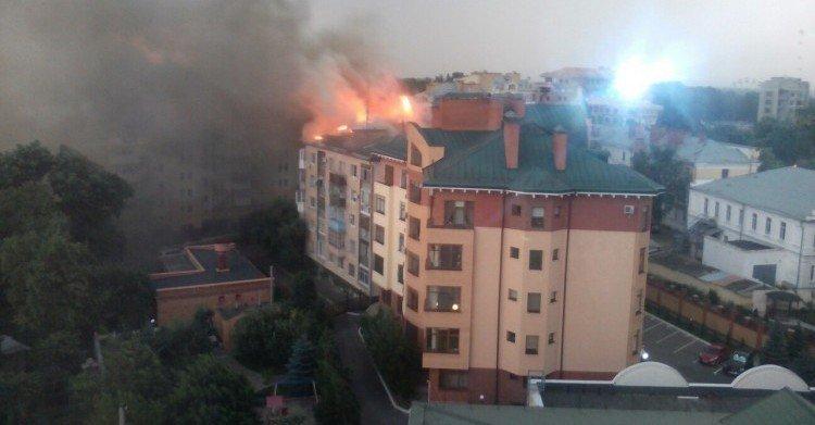 Постраждалих у пожежі на Першотравневому у Полтаві немає, – ДСНС