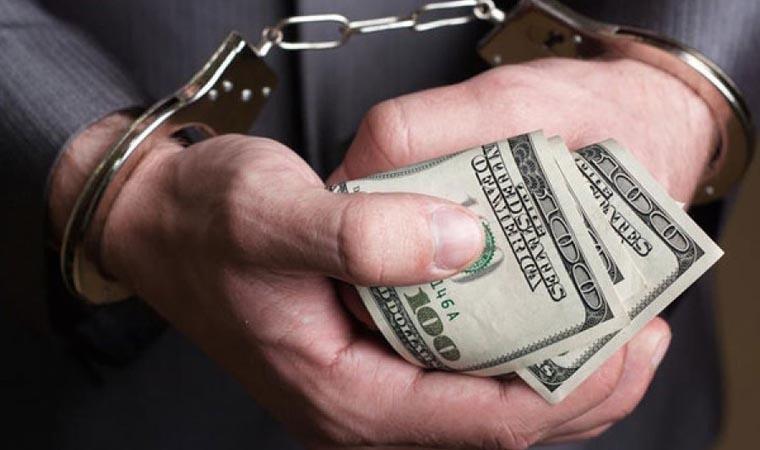 Судитимуть колишнього правоохоронця, який отримав майже 23 тисячі доларів хабара