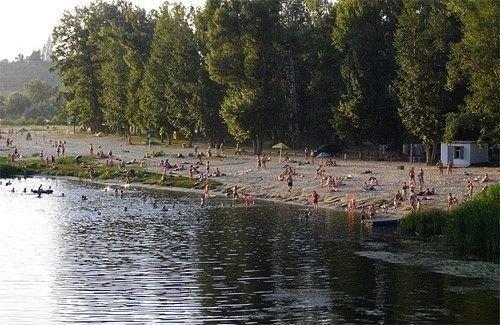 На Полтавщині чоловік цупив із пляжу все, що погано лежить