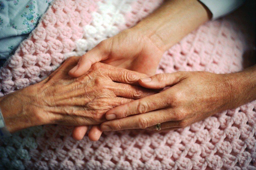 На Полтавщині соцпрацівники частіше навідуватимуться до одиноких пенсіонерів