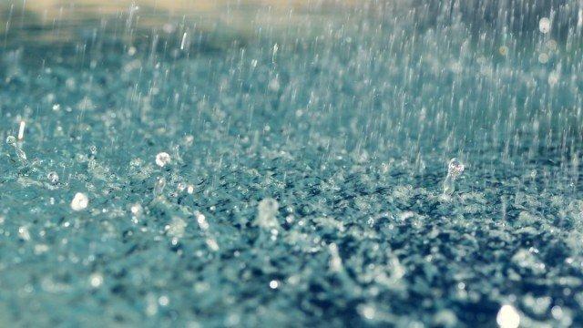 Правоохоронці попереджають водіїв про складні погодні умови