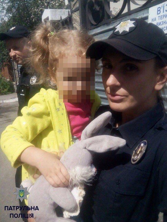 У Полтаві в жінки серед вулиці вкрали дитину