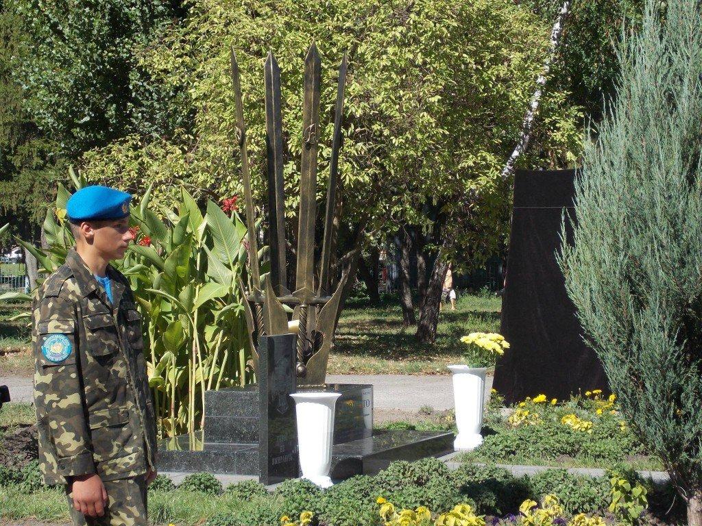 У Кременчуці встановили кований пам'ятник загиблим в АТО (ФОТО)