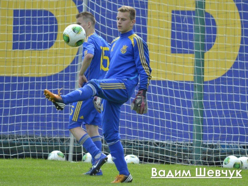Команда Володимира Циткіна на міжнародному товариському турнірі Стевана Вілотіча у Сербії зіграла проти однолітків з Франції. У боротьбі за третє місце на турнірі українці програли з рахунком 1:2. У цій зустрічі на 20-й хвилині рахунок відкрила французьк
