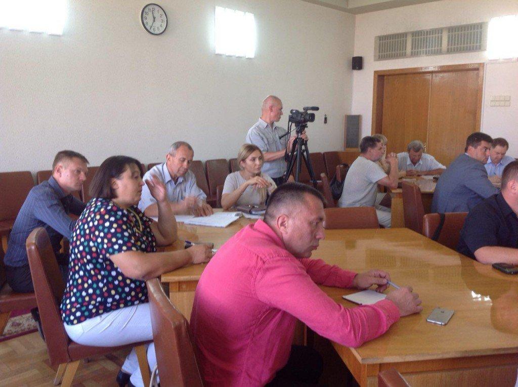 Тристоронній меморандум та комісія з перевірки дозволів: у Полтавській ОДА шукали шляхи врегулювання конфлікту у Біликах