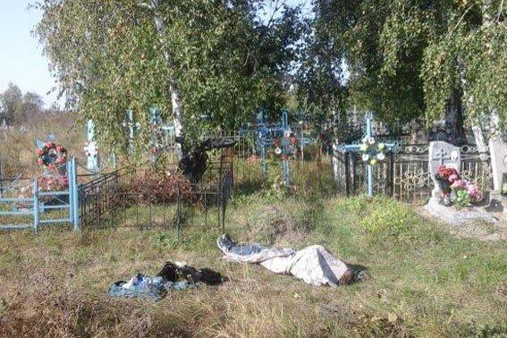 У Великих Сорочинцях мотоцикліст загинув, в'їхавши в огорожу на кладовищі