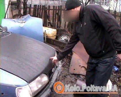 Авто, водій якого збив 70-річну полтавку. (Фото mia-pl.gov.ua)
