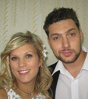 Настя й Олег ще у вересні минулого року побрались. Фото story.com.ua