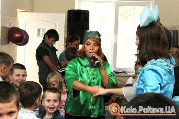 Для дітей проводилися конкурси, вікторини та змагання