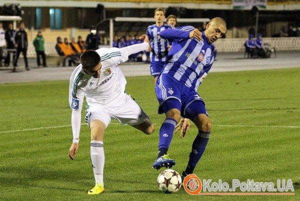 Боротьба за м'яч Ахмеда Янузі та Євгена Хачериді (фото Олега Дубини)
