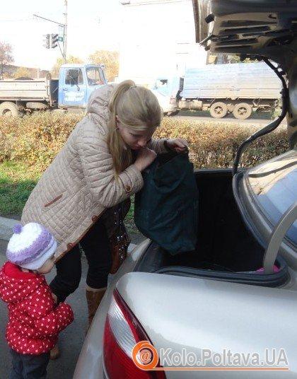 полтавка Ліда з донькою Варварою привезли книги для сільських бібліотек