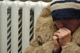 «Гарячі телефони» для безхатченків та інших потребуючих порятунку в морози. Фото kiyany.obozrevatel.com