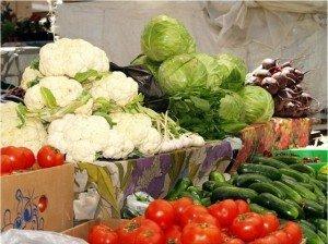 Найбільше в ціні зросли овочі і фрукти. Фото news.ub.ua